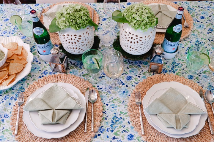 Blue & Green Spring Floral Tablescape